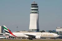 A6-EBO @ VIE - Emirates Boeing 777-300 - by Yakfreak - VAP