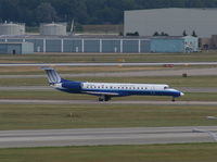 N808HK @ DTW - Trans States (United Express) E145