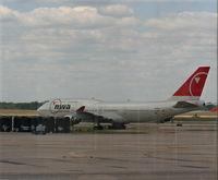 N665US @ DTW - Northwest 747-400