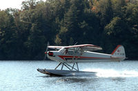 C-FKZK - C-FKZK Landing on Lake Muskoka - by Peter Breeson