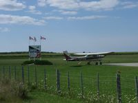 C-GPHW @ CNS7 - @ Kincardine Airport - by PeterPasieka