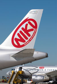 OE-LEK @ VIE - Fly Niki Airbus 319