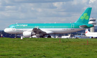 EI-DET @ EGKK - Aer Lingus A320 about to depart London Gatwick