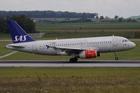 OY-KBT @ VIE - Airbus A319-131