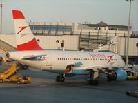 OE-LDA @ LOWW - Austrian Airlines