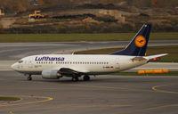 D-ABIX @ VIE - Lufthansa Boeing 737-530