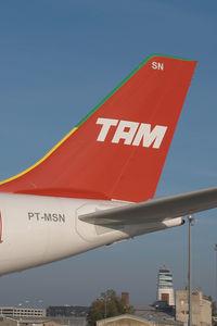 PT-MSN @ VIE - TAM Airbus 340-500