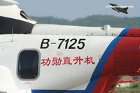 B-7125 @ ZGSD - Nanhai No 1 Rescue Flying Service - by Michel Teiten ( www.mablehome.com )