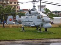 7511 - Hanoi , Air Force museum - by Henk Geerlings