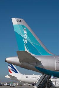 EC-GRE @ VIE - Clickair Airbus 320
