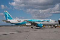 EC-KHN @ VIE - Clickair Airbus 320 - by Yakfreak - VAP