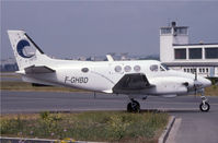 F-GHBD @ LFPB - Obviously a King Air taxying in France