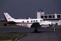 F-GIZB @ LFPB - This is a King Air taxying
