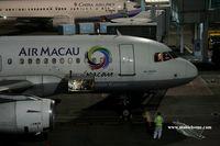 B-MAK @ RCKH - Air Macau NX667 to Macau - by Michel Teiten ( www.mablehome.com )
