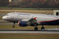 VP-BDN @ VIE - Airbus A319-111