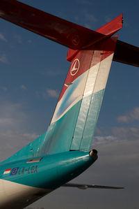 LX-LGA @ VIE - Luxair Dash 8-400