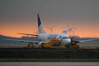 LZ-CGO @ VIE - Boeing 737-301(SF)