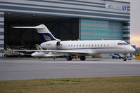 OE-IRP @ VIE - Bombardier BD-700-1A10 Global Express