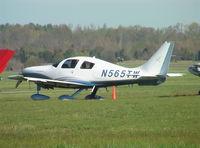 N565TW @ KTHA - Columbia LC-41-550FG at Beechcraft Heritage Museum, Tullahoma Regional Airport
