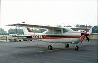 N732WW @ UMP - Cessna 210M Centurion at Indianapolis Metropolitan Airport