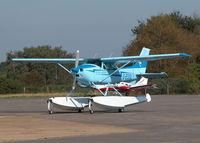 G-ESSL @ EGLK - WAITING FOR THE FUEL PUMPS - by BIKE PILOT