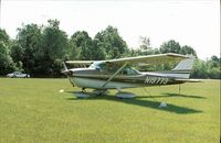 N19773 - Cessna 172L at a small airfield in Indianapolis
