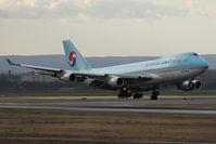 HL7602 @ VIE - Boeing 747-4B5F (SCD)