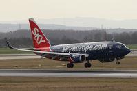 OM-NGL @ VIE - Boeing 737-76N