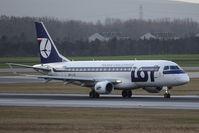 SP-LID @ VIE - Embraer ERJ-175