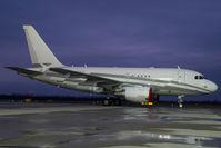 LX-GJC @ VIE - Globeljet Luxsemburg Airbus 318