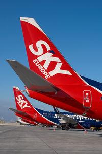 OM-NGP @ VIE - Skyeurope Boeing 737-700