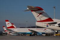 OE-LVE @ VIE - Austrian Arrows Fokker 100
