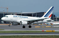 F-GUGK @ VIE - Air France Airbus A318-111