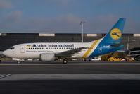 UR-GAU @ VIE - Ukraine International Boeing 737-500