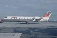 OE-LRG @ VIE - Lauda Air Regionaljet