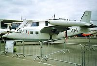 MM25172 @ LFPB - on display at Le Bourget - by juju777