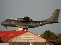 123 @ LFBO - Landing rwy 32R - by Shunn311