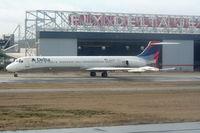 N924DL @ ATL - Delta MD-88