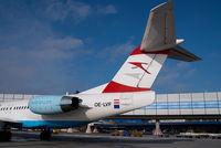 OE-LVF @ VIE - Austrian Arrows Fokker 100