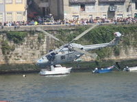 19204 - Westland Super Navy Lynx MK95 from portuguese navy at red bull air race 08 PORTO - by ze_mikex