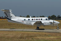 VH-ZMO @ YMEN - Beech 200 at Essendon