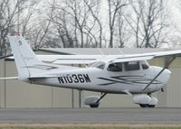 N1036M @ DTN - About to lift off of runway 14 at the Shreveport Downtown airport. - by paulp