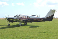 G-BOJI - Piper Pa-28RT-201T at Enstone North