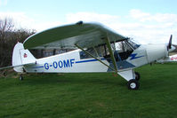 G-OOMF - Piper Cub at Enstone South