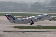EI-RJH @ ZRH - BAe Avro 146 RJ-85 - by Juergen Postl