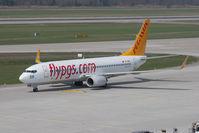 TC-AAH @ ZRH - Boeing 737-82R