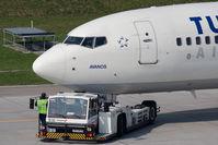 TC-JGT @ ZRH - Boeing 737-8F2