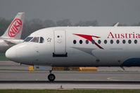 OE-LVA @ VIE - Fokker 100
