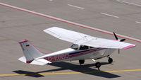 D-EBBD @ EDDP - A Cessna 172 from Stuttgart for whatever at LEJ - but pink! - by Holger Zengler