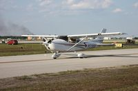 N5198B @ LAL - Cessna 182T